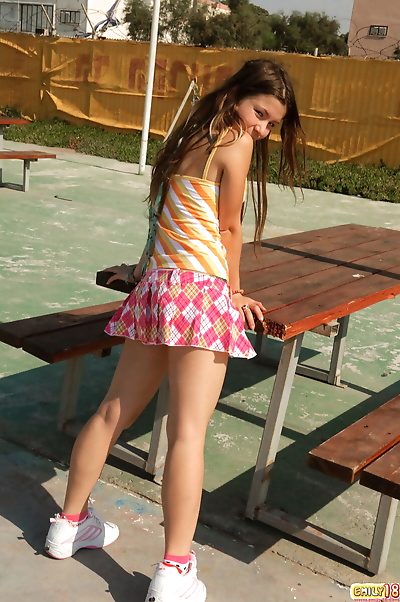 Emily dieciocho
