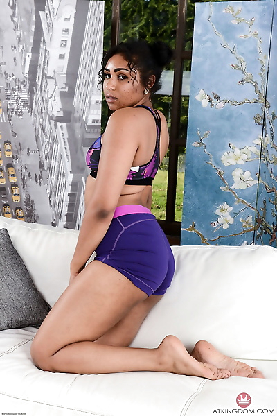 Ebony with big ass and..