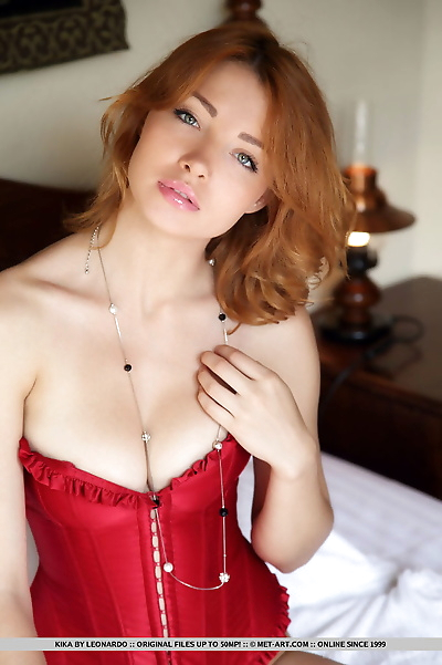 Beautiful redhead Kika..